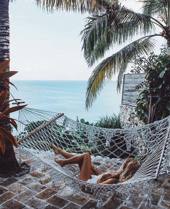 Hamaki w ogrodzie lub na balkonie – inspiracje