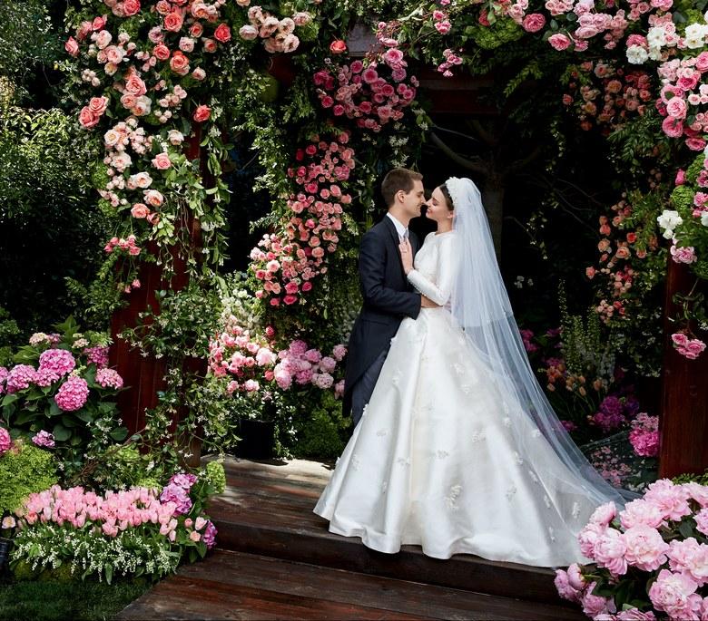 Miranda Kerr pokazała swoją zjawiskową suknię ślubną