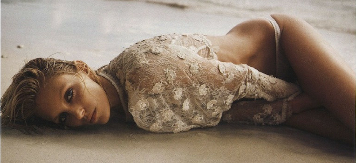 Anja Rubik w klimatycznej sesji dla Vogue Paris