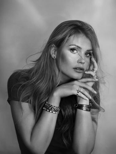 Kitty-Spencer-Bulgari-Jewelry-Campaign76093
