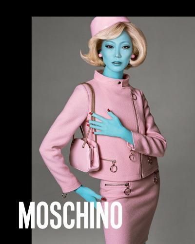 Moschino-Fall-Winter-2018-Campaign03