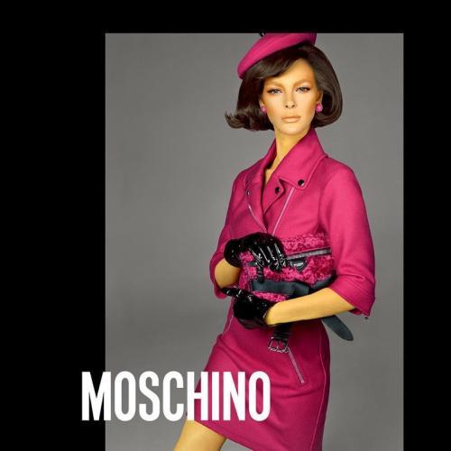 Moschino-Fall-Winter-2018-Campaign05