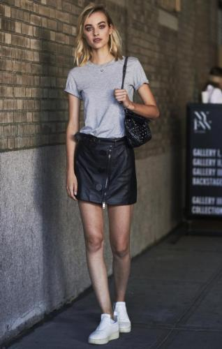 street-style-black-leather-skirt
