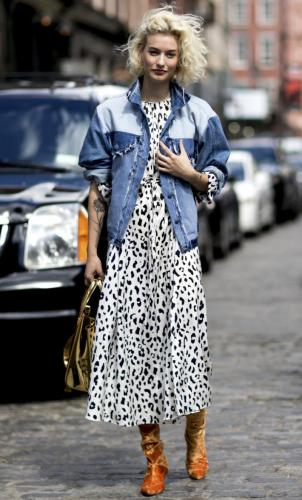 street-style-two-toned-jean-jacket